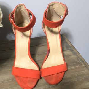 Just Fab coral sandals size 7